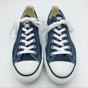 Navy Converse Classic Low Top Lace Up-Unisex-Navy